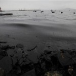 China: Oil spill threatens Yellow Sea